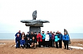 Here is our congenial group of travellers by the town's giant inukshuk.